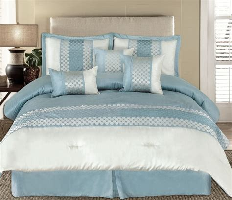 Pin by Bobbi Muehlenkamp on For the Home   Blue bedding