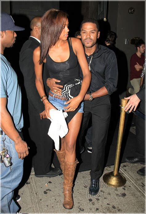 Singer Maxwell leaves club Avenue with a mystery girl