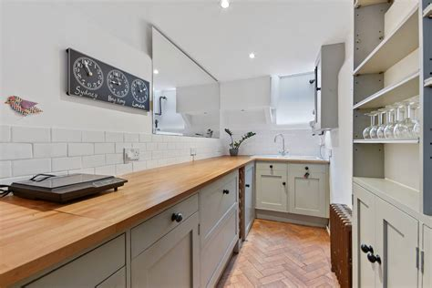 London's narrowest house for sale | House & Garden