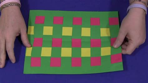 Construction Paper Weaving - YouTube