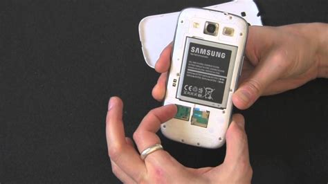 How To Remove Your SIM Card and MicroSD Card From Your