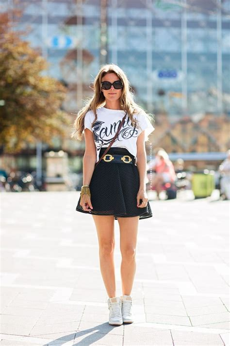 What To Wear With a Mini Skirt 2021 | Become Chic