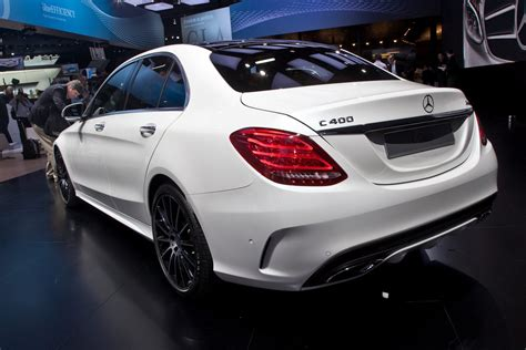 2015 Mercedes-Benz C-Class Makes Stylish Entry at the