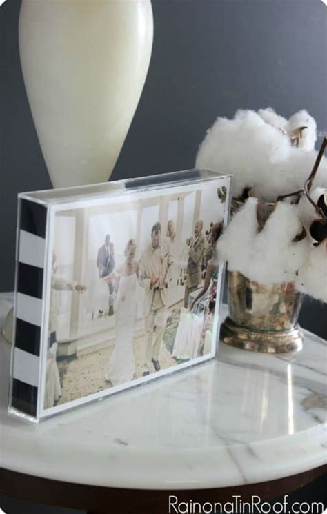 Black and White Stripe Picture Frame {Handmade Christmas