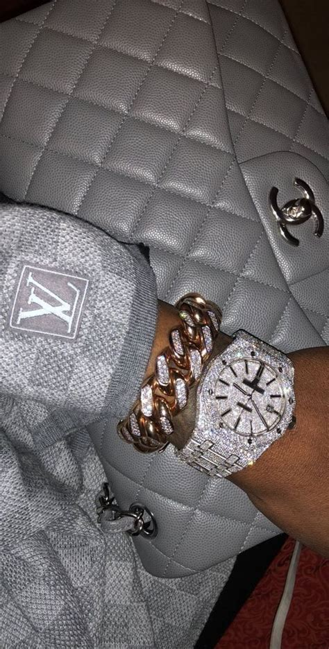 Pin by ᘜᒪOᗯ ᒪIᘜᕼTᔕ🔅 on Drippy ,,,,, in 2020 | Wrist candy