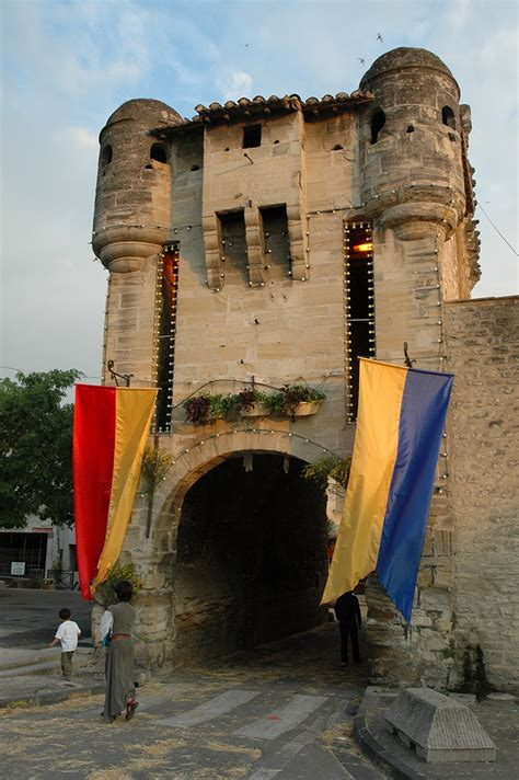 Discovery and visit Monteux, lake, historical village