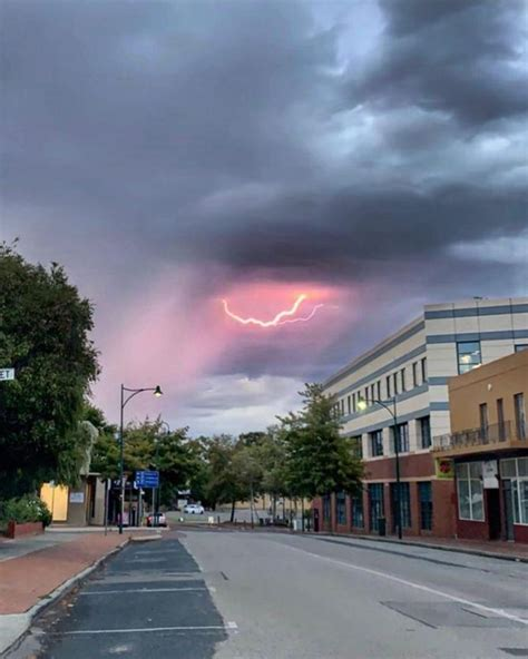 Severe weather warning for Perth area as lightning strikes